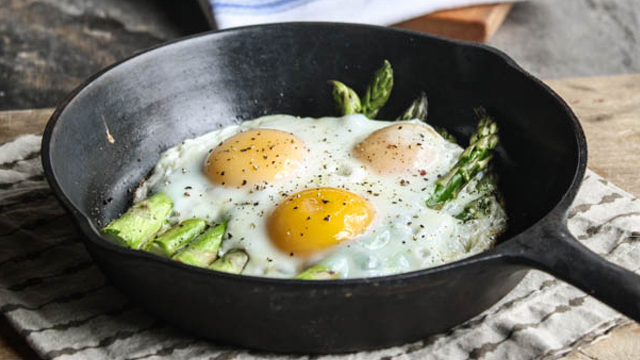 Asparagus and Egg Skillet