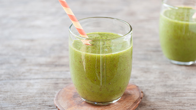 Ginger-Peach Green Smoothie